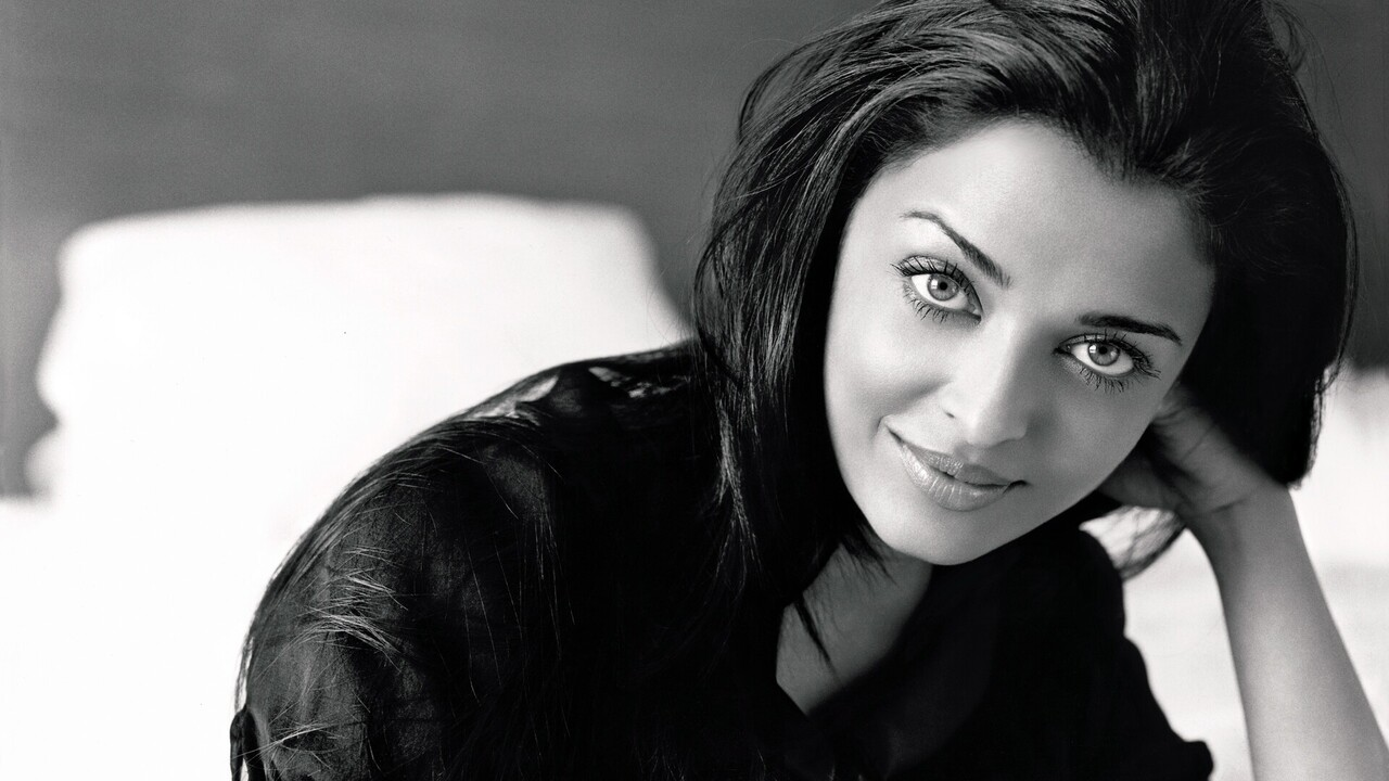 Aishwarya Rai Black and White 4K Photo