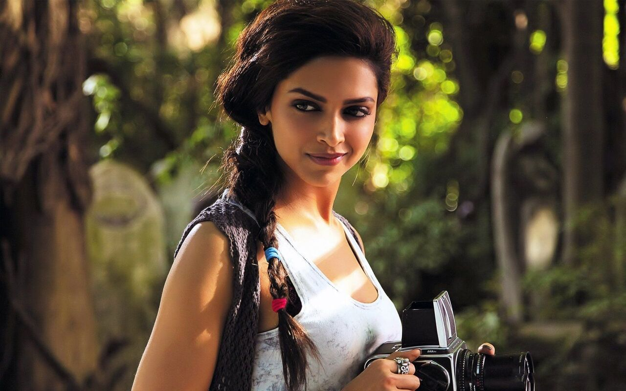 Cute Deepika Photo