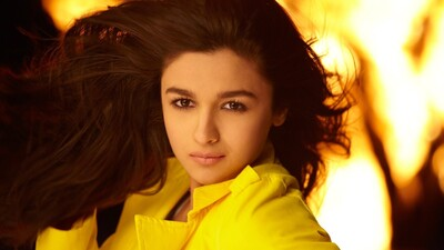 Actress Alia Bhatt Latest Wallpaper