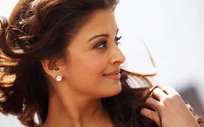 Aishwarya Rai Smile Face Photo