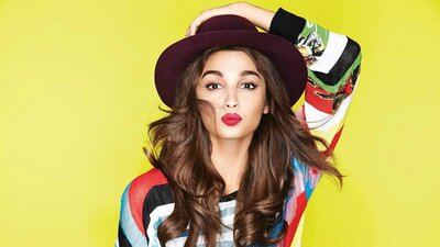Alia Bhatt Cute Wallpaper