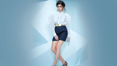 Anushka Sharma Actress Background Wallpaper