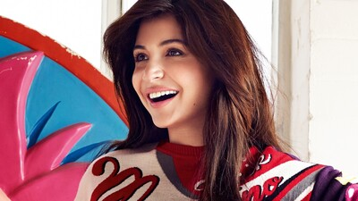 Anushka Sharma Smile Face Image