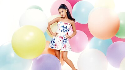 Ariana Grande in Colorful Dress