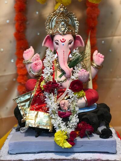 Beautiful Idol of Lord Ganesha Ultra HD