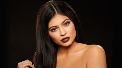 Beautiful Kylie Jenner Closeup Face