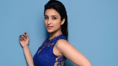 Beautiful Parineeti Chopra in Blue Dress Wallpaper