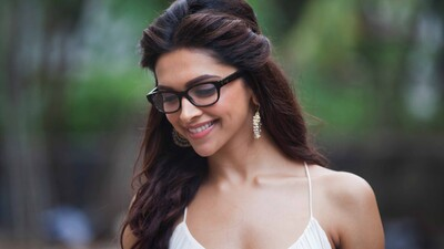 Cute Deepika Padukone Smile Face