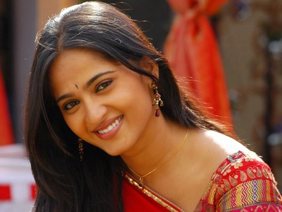 Cute Smile of Anushka Shetty