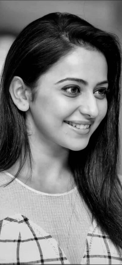 Cute Smile of Rakul Preet
