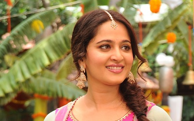 Elegant Anushka Shetty with Smile