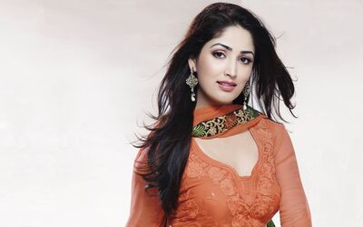 Indian Movie Celebrity Yami Gautam Wide Wallpaper