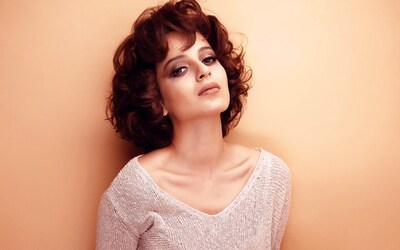 Kangana Ranaut Innocent Wallpaper