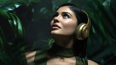 Kylie Jenner Hear with Headset Image