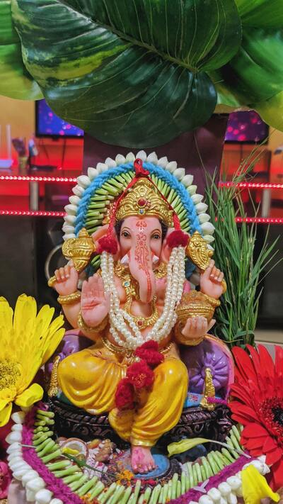 Lord Ganesha Worship Ultra HD Pics