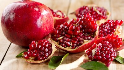 Pomegranate on Table HD Wallpaper