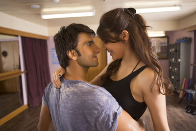 Ranveer Singh And Anushka Sharma in Dil Dhadakne Do Movie