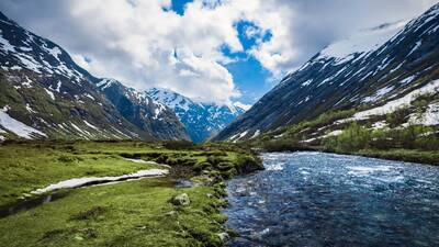 River Between Mountain Awesome Nature View 4K Image
