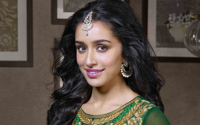Shraddha Kapoor with Pink Lips Photo