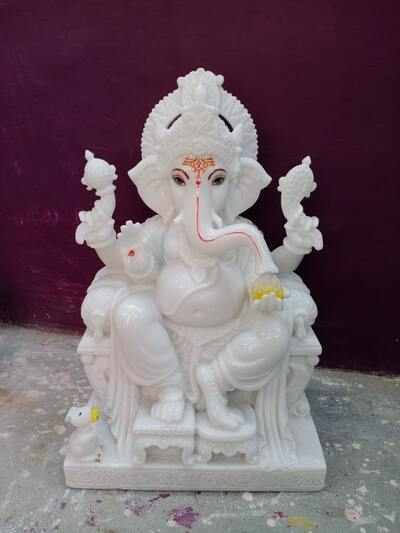 White Lord Ganesha Idol Ultra HD Pic