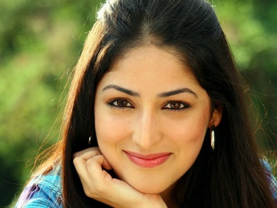 Yami Gautam Smile Face Wallpaper